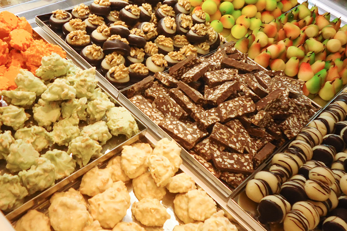 Pasta Reale e cioccolato